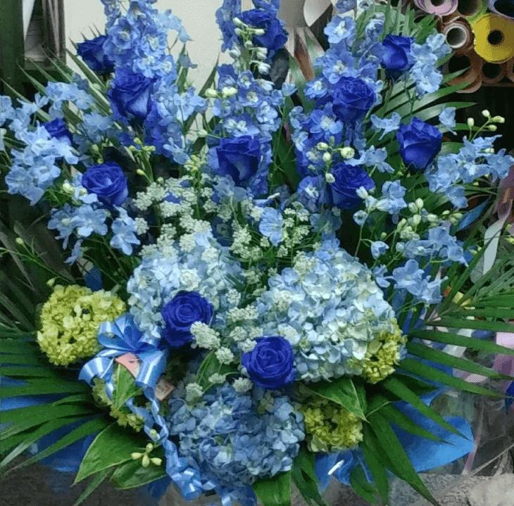 ブルーが好きな女性への誕生日プレゼント