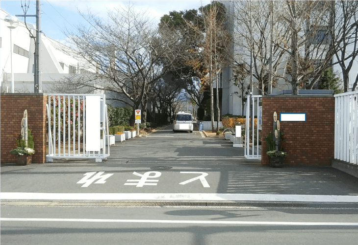 校門の門松