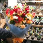 卒業式のお祝いの花束