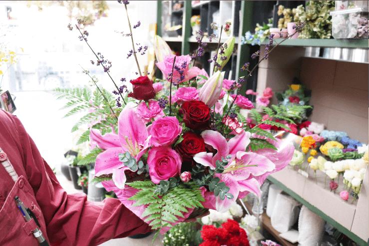 バレエ公演のお祝いのお花