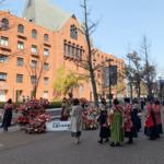 近畿大学卒業式の会場装花