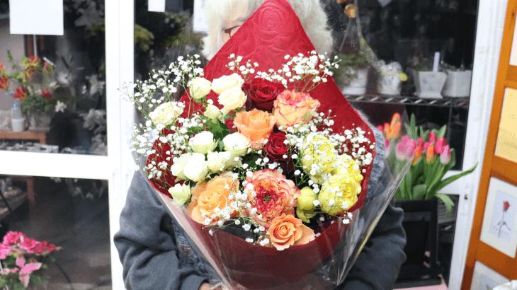 薔薇メインの退職のお花