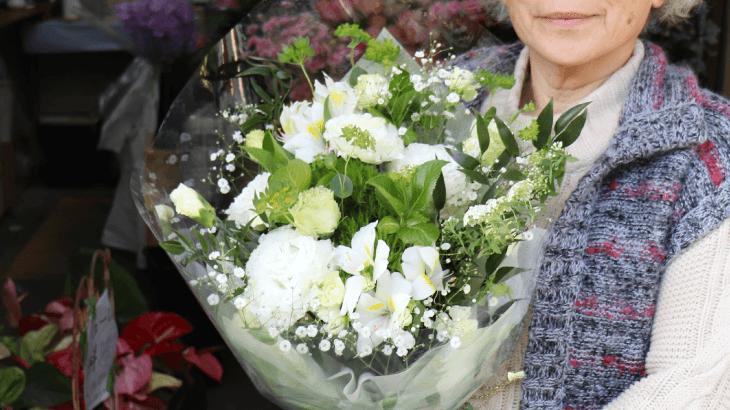 緑がメインの綺麗な花束