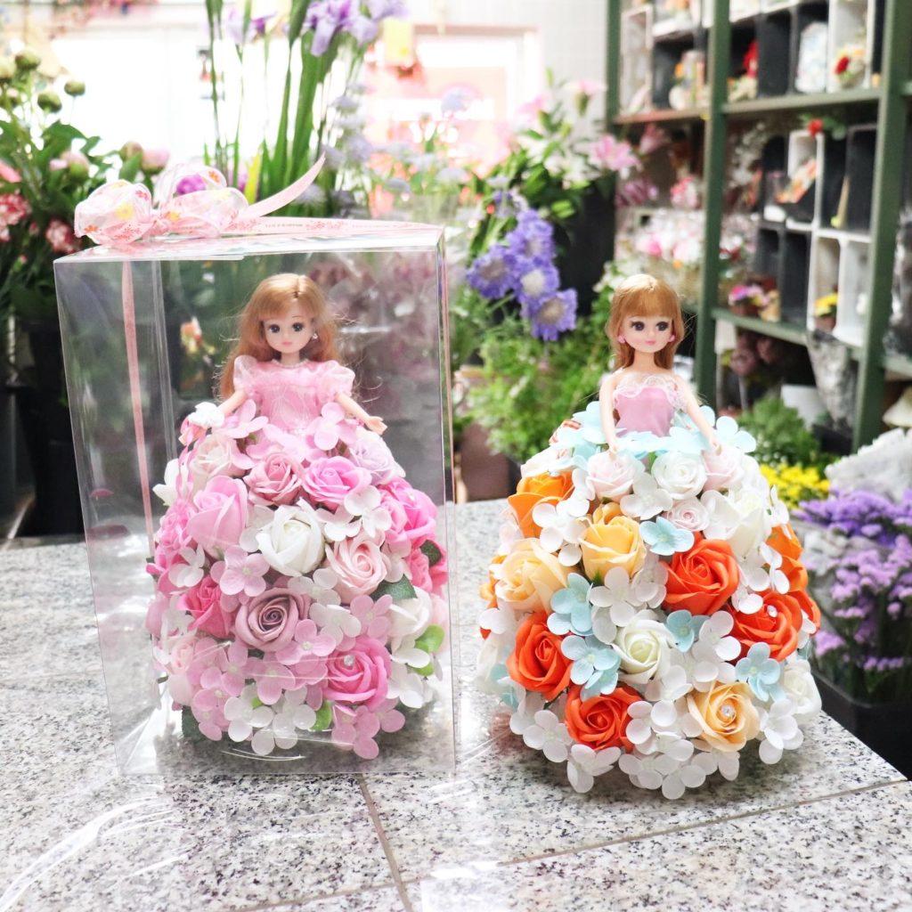 ソープフラワーのドレスのリカちゃん人形