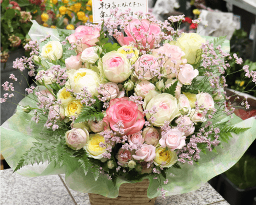 薔薇いっぱいのアレンジメント