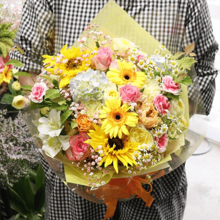 懐妊祝いのブーケ風の花束