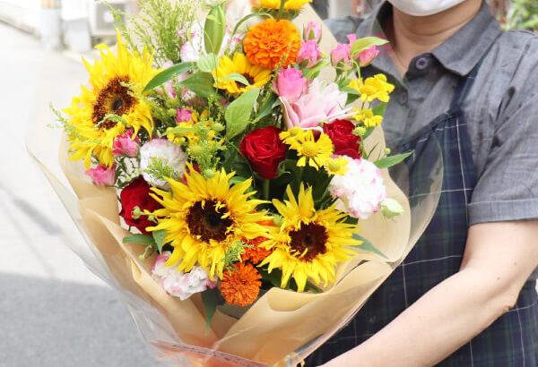 ひまわりを使った退職の花束
