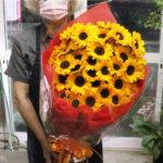 ひまわり50本の花束!
