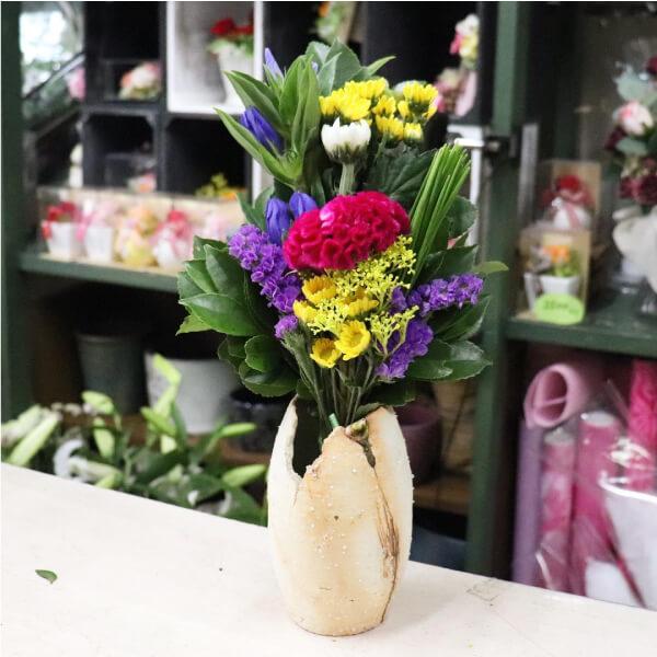 リンドウ入りの仏花