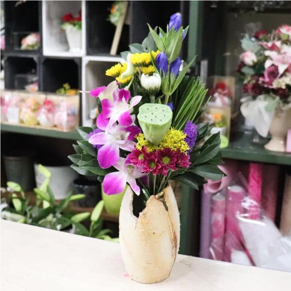蓮台入りの仏花